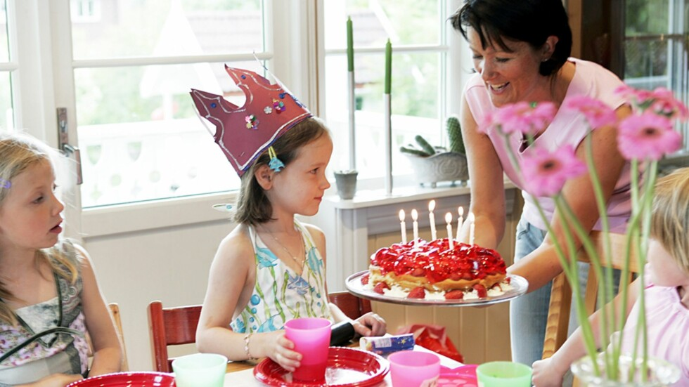 BARNEBURSDAG PÅ BUDSJETT: Jovisst skal barna få kose seg med bursdagsselskaper - men det trenger ikke koste skjorta! Foto: NTB Scanpix / Tor Richardsen