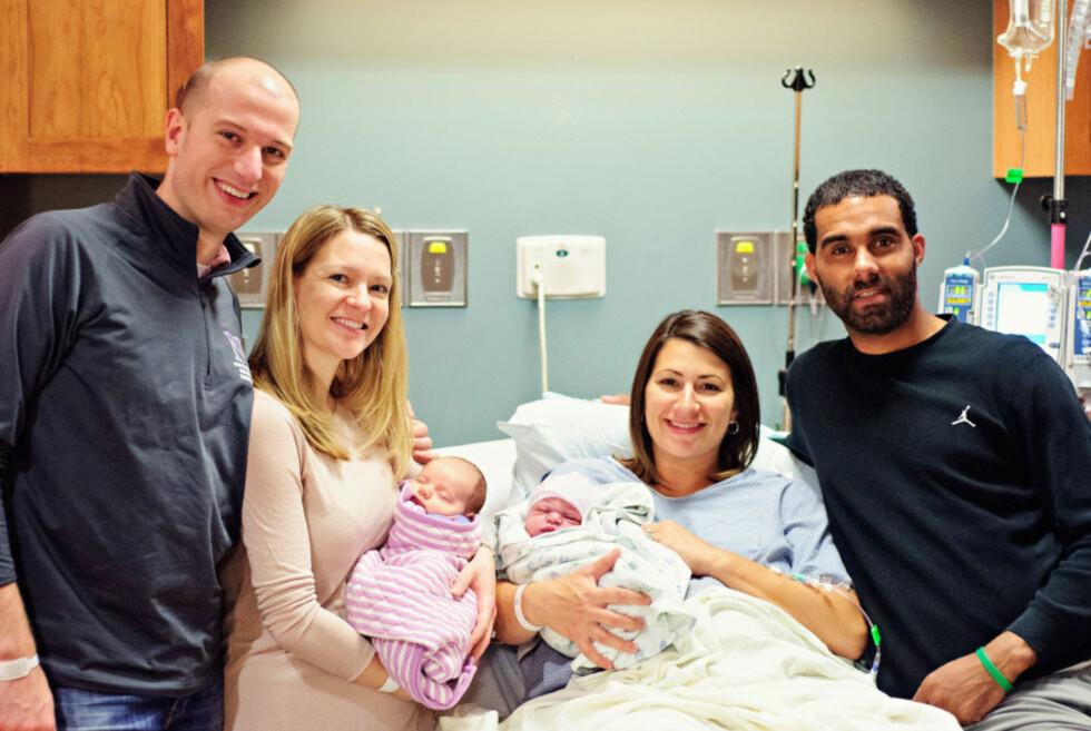 LYKKE: Ekteparet Rohdes sammen med ekteparet Brown. Ashley (t.h.) har nettopp født ekreparet Rogdes datter.  Foto: SWEELTY CHERISHED PHOTOGRAPHY