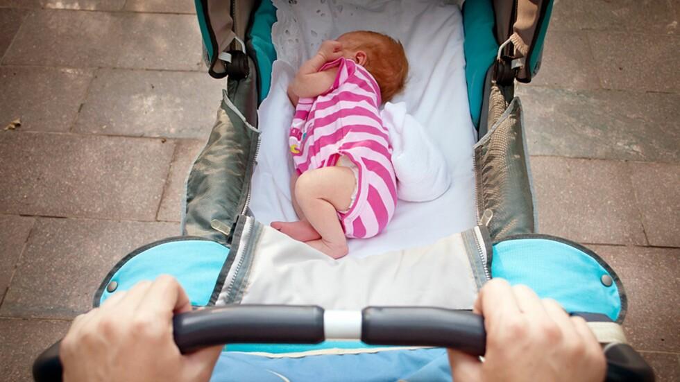 FORELDRETABBER: Unngå disse tabbene for å sikre barnet ditt best mulig i barnevognen! Foto: NTB Scanpix