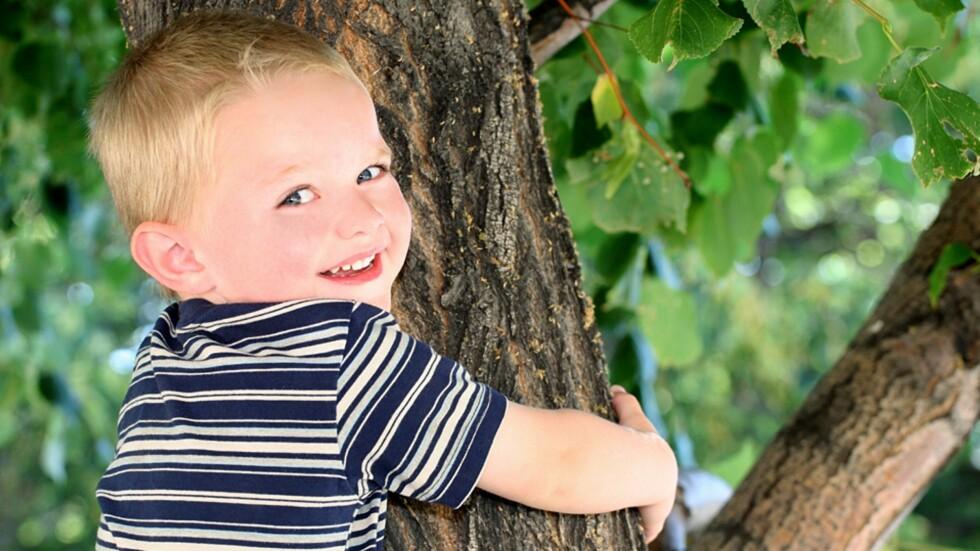 MENER BARNA BØR FÅ LEKE MER FRITT: For mye voksen regi vil gi barna en skrinnere barndom mener pedagogen. Foto: NTB Scanpix