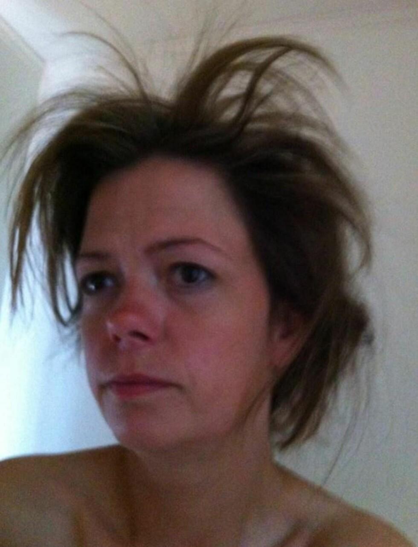 IKKE REDD FOR Å BY PÅ SEG SELV: Moni mener det er helt ok å ikke se perfekt ut på bilder. Foto: Privat