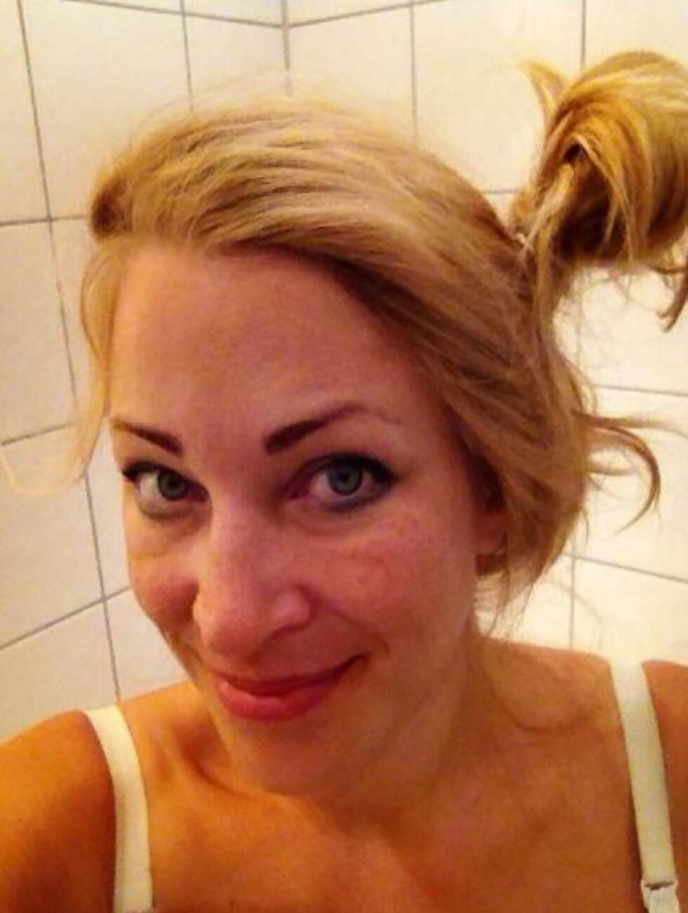 DAGEN DERPÅ: Da jeg så meg i speilet morgenen etter, måtte jeg bare le, sier Heidi. Foto: Privat
