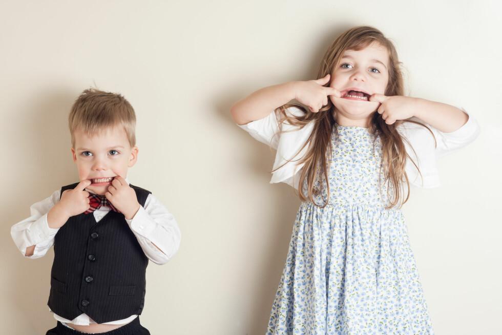GRIMASER: - En 4-åring bør kunne være i selskap uten å rekke tunge til de voksne, selv om mange barn synes dette er gøy, sier barnepsykolog Elisabeth Gerhardsen. Foto: NTB Scanpix