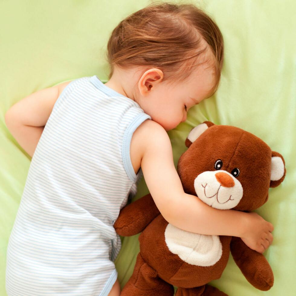 SMÅ BARN VÅKNER OFTE: Trenger ikke være et tegn på at noe er galt. Foto: Shutterstock ©