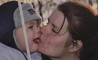 Karina (36) er mamma til ni