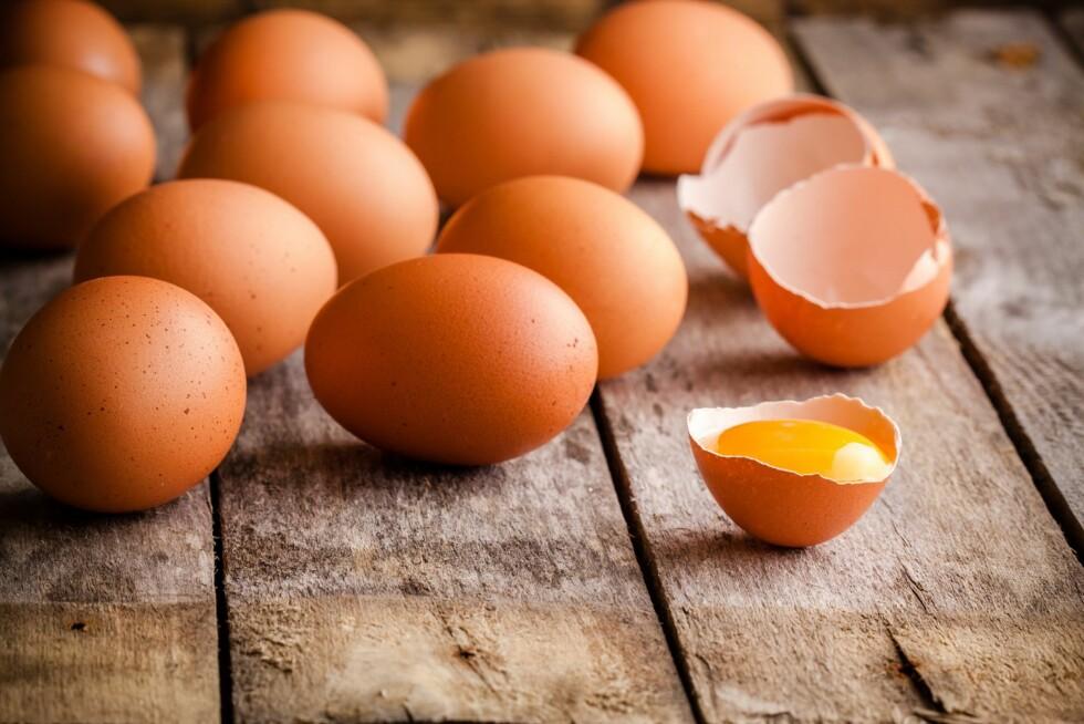 INNEHOLDER B12: Ammende mødre med et rent vegetarisk kosthold (vegankost) trenger vitamin B12-tilskudd. Dersom mor spiser vegankost, og barnet kun får morsmelk, må barnet få tilskudd av vitamin B12. Foto: NTB/ Scanpix