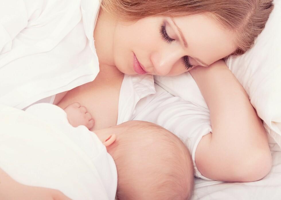 BRA MAT: Spedbarn kan helt trygt få kun morsmelk, med tilskudd av D-vitamin de første seks månedene, er anbefalingen fra Helsedirektoratet. Foto: NTB/ Scanpix
