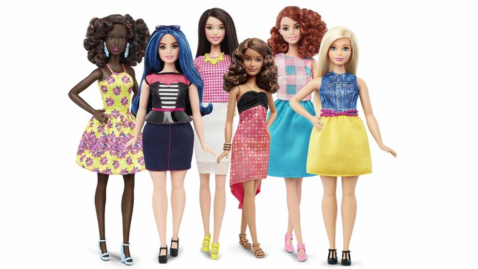 BARBIEDUKKER I FORSKJELLIGE KROPPSFASONGER: Det er foreløpig ukjent om de nye Barbiedukkene kommer for salg i Norge. Foto: NTB Scanpix