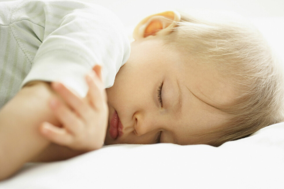 TRENGER FORTSATT DAGSØVN: barnet trenger fortsatt en lur eller to på dagtid. Foto: NTB Scanpix