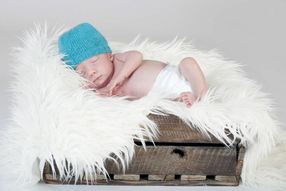 GLAD GUTT: Carl Fredrik er i dag 7 måneder gammel og klarer seg bra til tross for mange utfordringer. Foto: Line Sveen