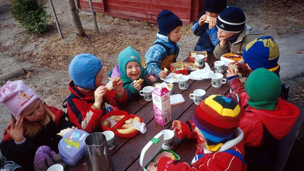 <strong><b>ET VIRRVARR AV PRISER OG TILBUD:</strong></b> Det ikke enkelt for foreldre å avgjøre om de betaler en fair pris for matpenger eller ikke. Foto: Espen Bratlie / NTB Scanpix