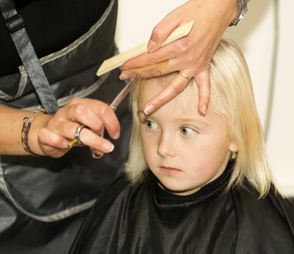 <strong>UOVERSIKTELIG MARKED:</strong> Enkelte salonger tar mer betalt for å klippe jenter, mens andre bare gir barnerabatt opp til åtte år. Foto: Radek Detinsky / NTB Scanpix