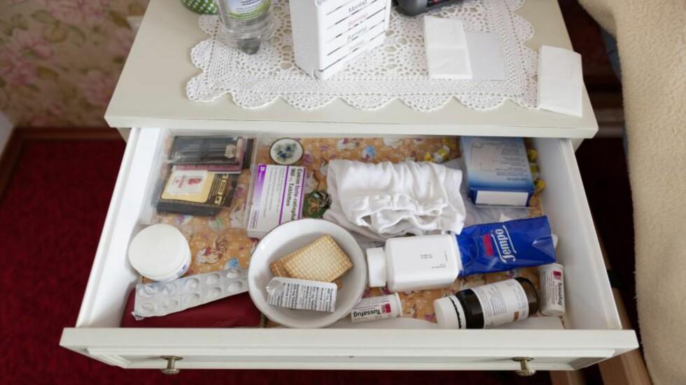 LETT TILGJENGELIG FOR BARN: Foreldre eller besteforeldre er kanskje ikke så vant til å tenke på at medisiner må pakkes vekk - også på hytta. Foto: NTB Scanpix