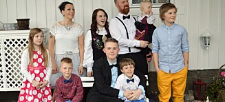 Helena og Frode (39) jobber full stilling og har åtte barn