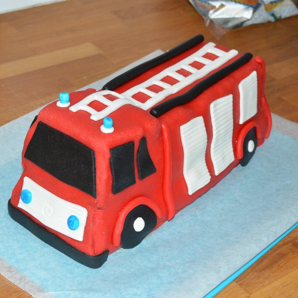 BLOD, SVETTE OG TÅRER: «Hvorfor spurte jeg i det hele tatt hvilken kake han ville ha!!??» Foto: Privat