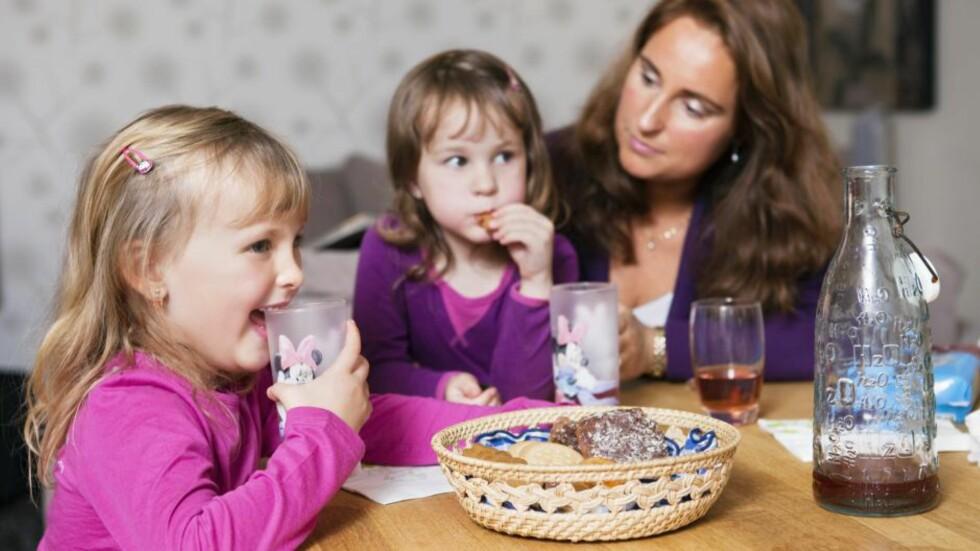 SOSIAL KOS: Det er det sosiale rundt maten som er selve kosen, ikke maten, sier eksperten på spiseforstyrrelse. Foto: NTB Scanpix