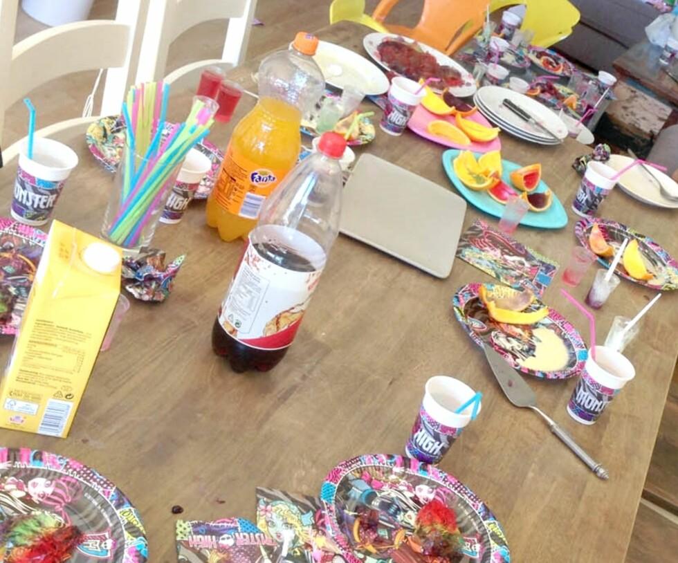 BURSDAGSMATEN: I tillegg til gele serverer Marte pannekaker med nugatti i barnebursdagene. Foto: Privat