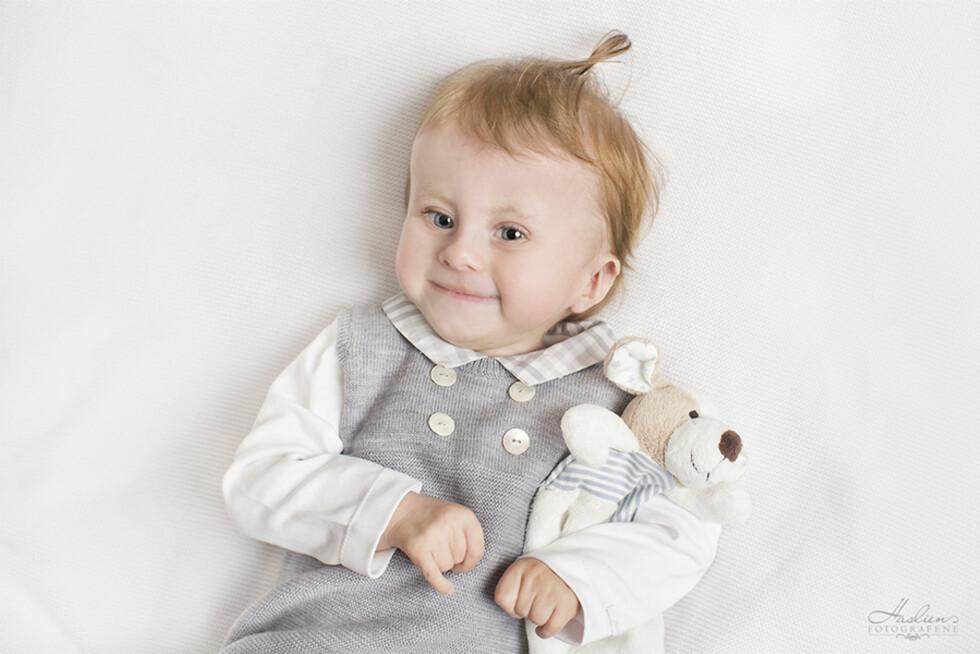 ET GODT LIV: Tre år gamle Ole er utviklingsmessig fortsatt som en baby, men er heldigvis ikke født med noen livstruende misdannelser. Foto: Marion Haslien / Haslien Fotografene