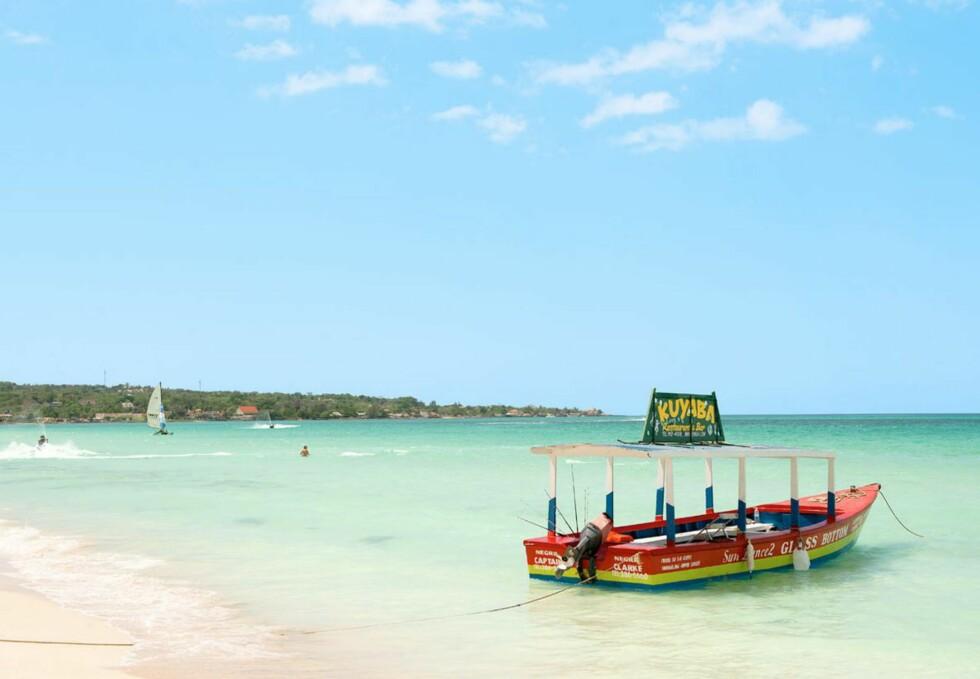 <strong>KORALLSTRAND:</strong> Berømte Seven Mile Beach er en av Jamaicas vakreste strender. Foto: Ving