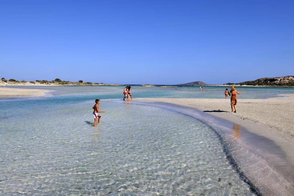 <strong>KRETAS SVAR PÅ MALDIVENE:</strong> Badestranden Elafonissi på Kreta er utrolig vakker. Foto: George Atsametakis / NTB Scanpix