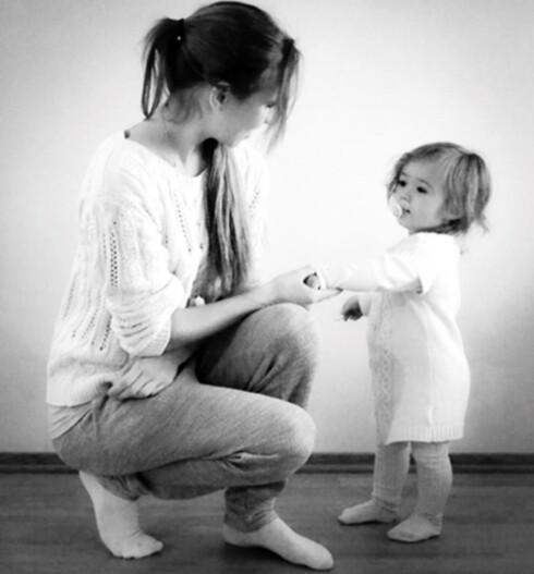 FØDT INN I MUSIKALSK FAMILIE: Det gjorde navnevalget enkelt for Tomona som kalte datteren Melody. Foto: Privat