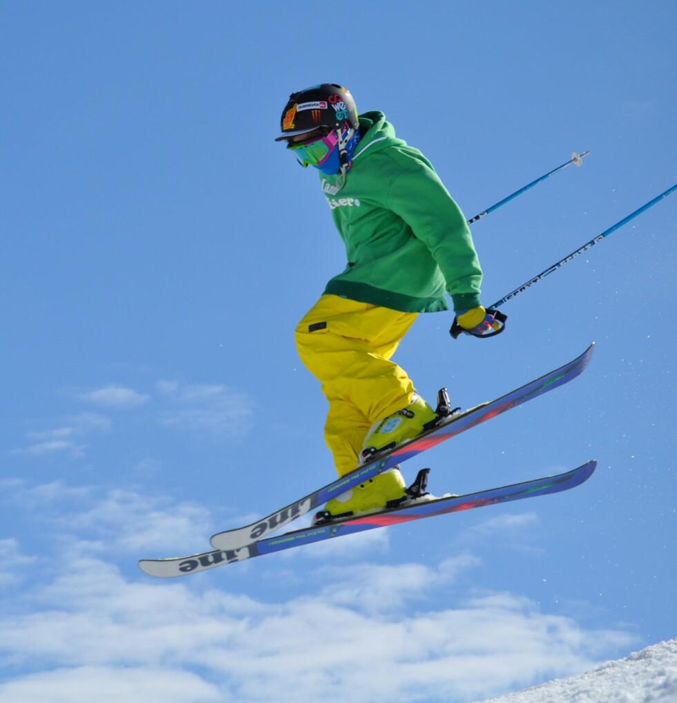 <strong>LÆRER FORT:</strong> På kort tid har tvillingene fått imponerende skiferdigheter. Foto: Privat