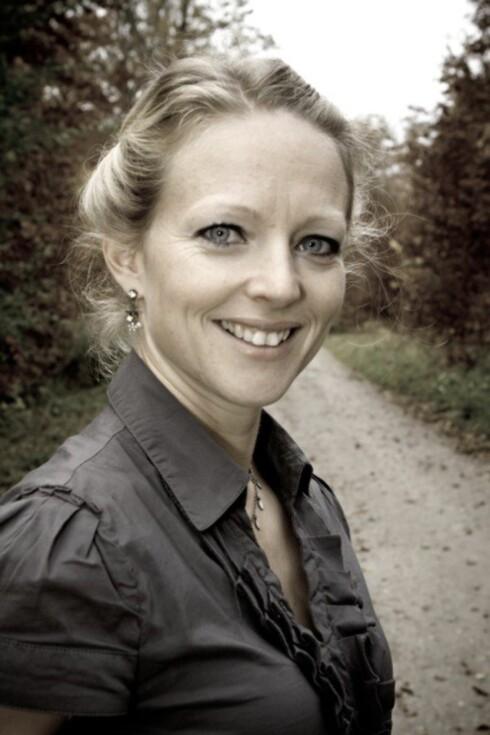 «SOVECOACH»: Jeanette Wegge-Larsen har hjulpet mange familier med å få bedre nattesøvn. Foto: Privat