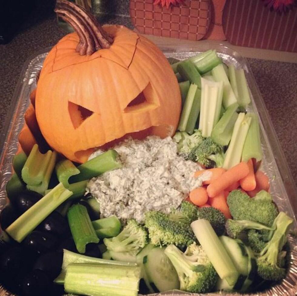 SUNN SNACKS: Halloweenfesten behøver ikke bli et sukkersjokk om du serverer dette. Foto: Emily Gorey