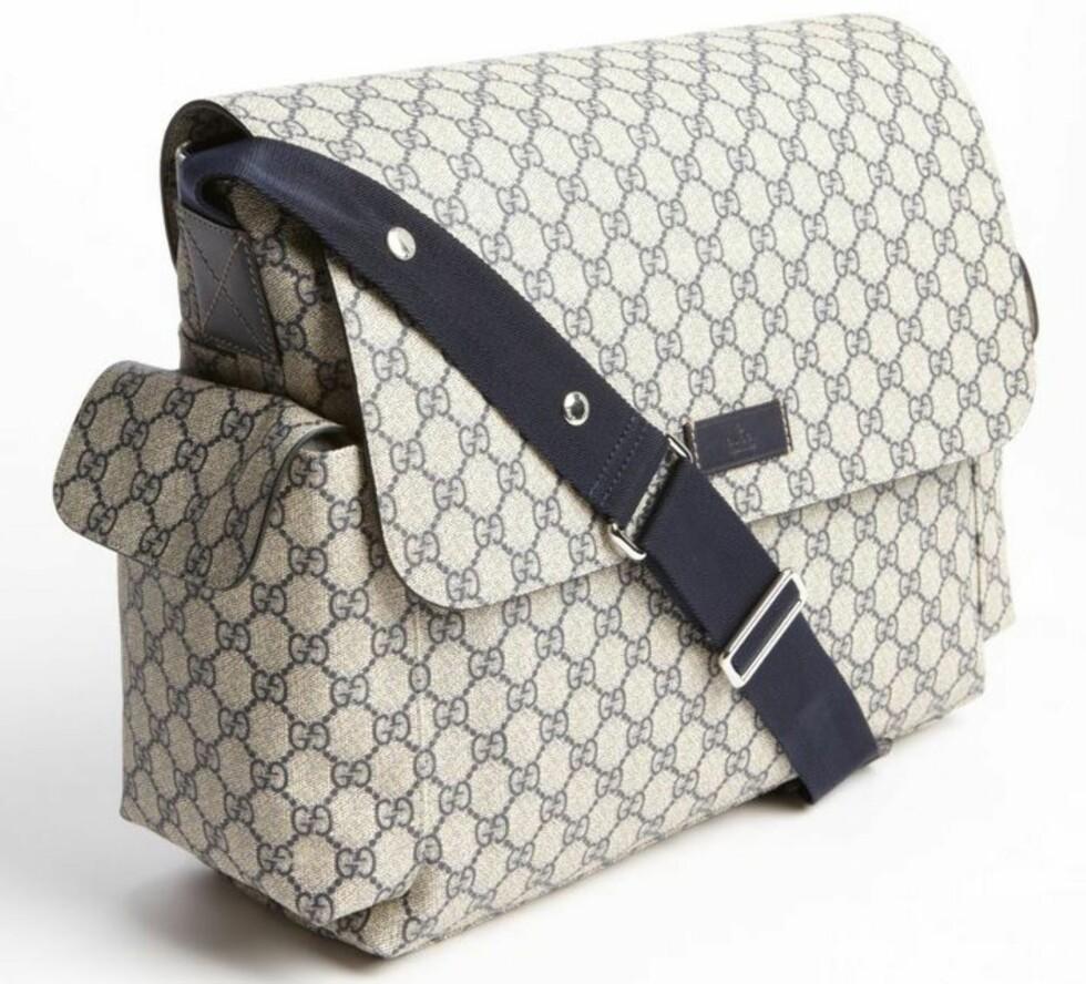 LUKSUS: Til stellevesken Gucci Messenger kan man få en matchende flaskevarmer. Pris ca. 7000 kroner. Foto: Produsenten