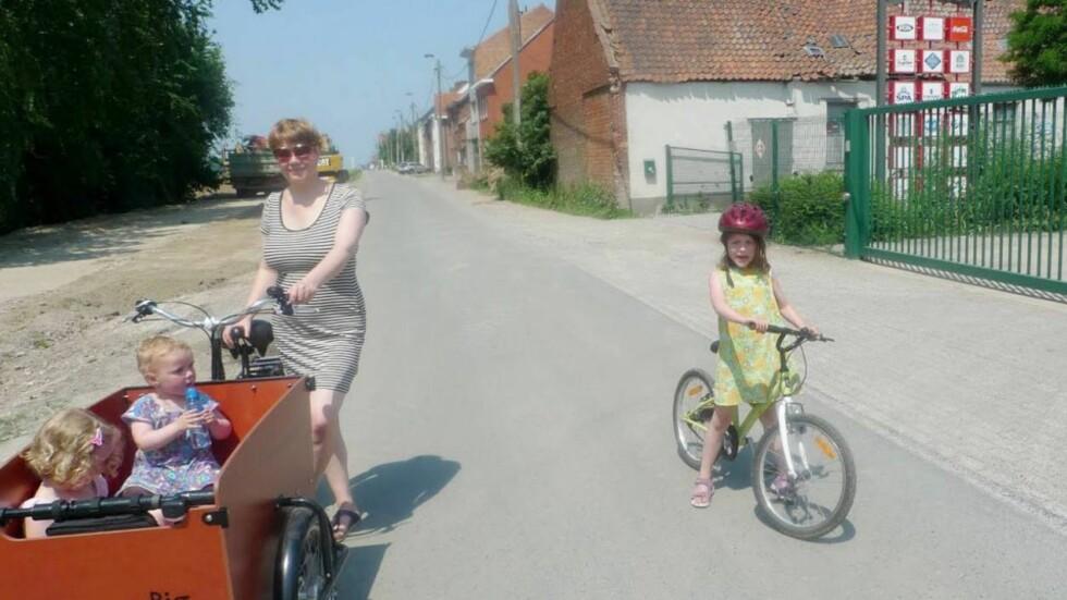 PÅ SYKKELTUR: I Belgia kunne familien Arnstad Løvik fra Tromsø benytte seg av vertsfamiliens sykler.  Foto: privat