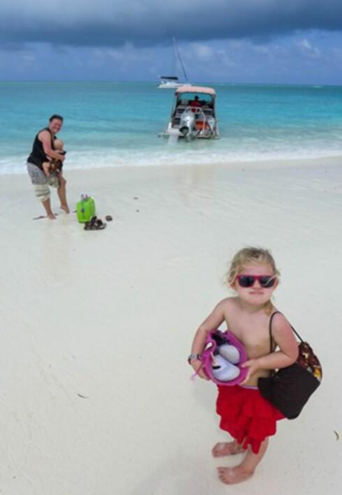Idylliske omgivelser: Tobarnsfamilien oppdager verden sammen. Foto: Privat