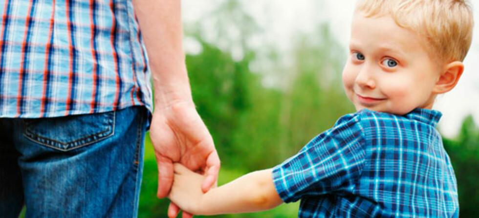 Til barnehagen eller skolen for første gang: Mamma eller pappa må jo bli med! Foto: Shutterstock.com