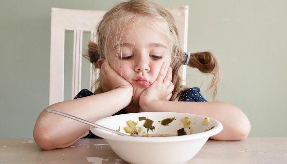 NÅR BARNET NEKTER Å SPISE: Få ting kan være så frustrerende for foreldre som når barnet ikke vil spise. Foto: NTB Scanpix