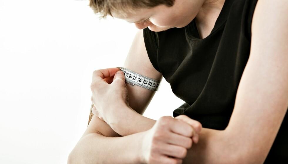 OPPTATT AV MUSKLER OG KROPP: Ekstrem trening og fokus på kosthold kan være et tegn på at han har en spiseforstyrrelse. Foto: NTB Scanpix