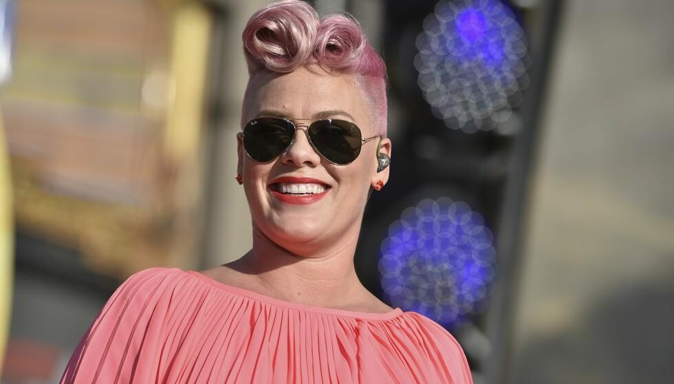 HØYGRAVID KAFFEDRIKKER: Artisten Pink forventet seg nok ikke reaksjonen hun fikk på Instagrambildet sitt. Foto: Jordan Strauss / NTB Scanpix