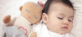 Trøtte foreldre betaler i dyre dommer for dukken som skal få babyen til å sove