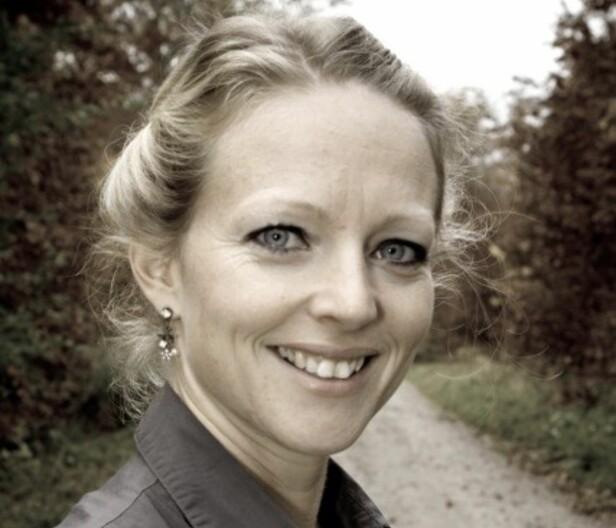UNNGÅ Å GI FOR MYE STIMULI NÅR BARNET VÅKNER: Søvncoach Jeanette Wegge-Larsen råder foreldre til å være så «kjedelig» mulig når barnet våkner. Foto: Privat