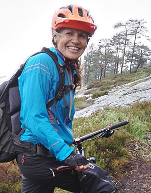 OPPTATT AV Å VÆRE UTE SAMMEN: Ta heller barna med på en sykkeltur, oppfordrer Merete Lund Fasting. Foto: Privat