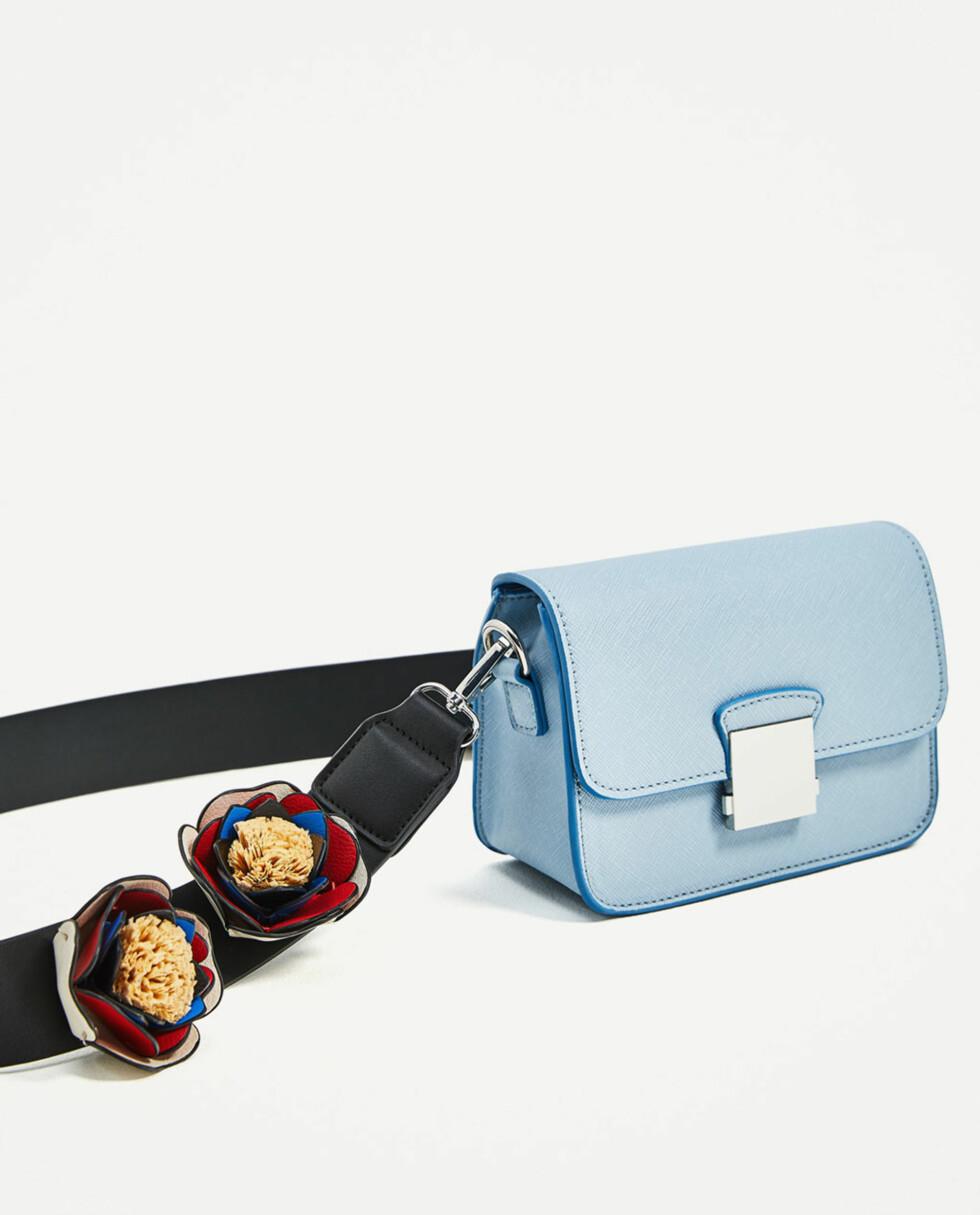 Veske fra Zara   kr 249   https://www.zara.com/no/no/dame/vesker/se-alt/skulderveske-med-rem-med-blomster-c819022p4258049.html#utm_referrer=http://www.whowhatwear.co.uk/accessory-trends-spring/slide8#utm_referrer=https%3A%2F%2Fwww.zara.com%2Fuk%2Fen%2Fwoman%2Fbags%2Fview-all%2Fcrossbody-bag-with-floral-strap-c819022p4258049.html