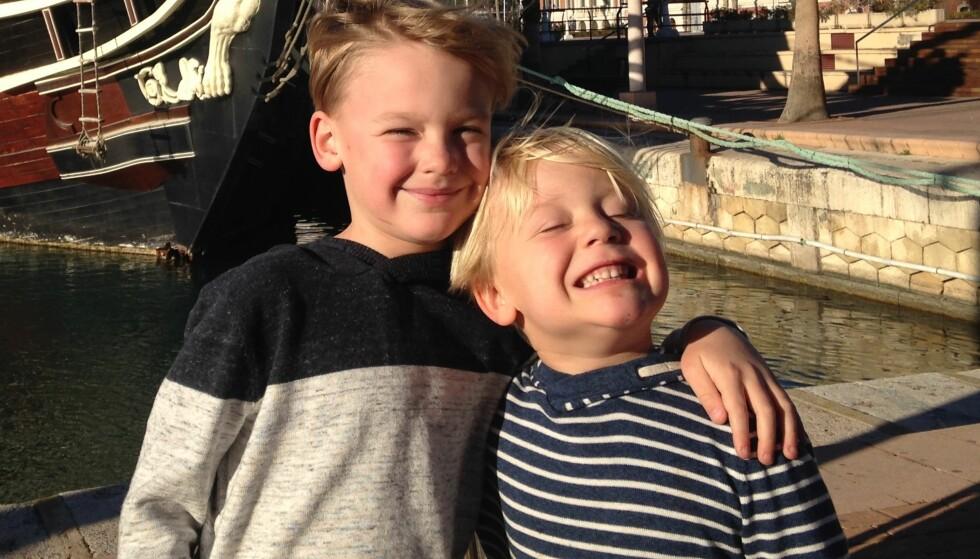 STORTRIVES: Sondre og Einar har begge lært seg noe spansk under oppholdet i Spania. Foto: Privat