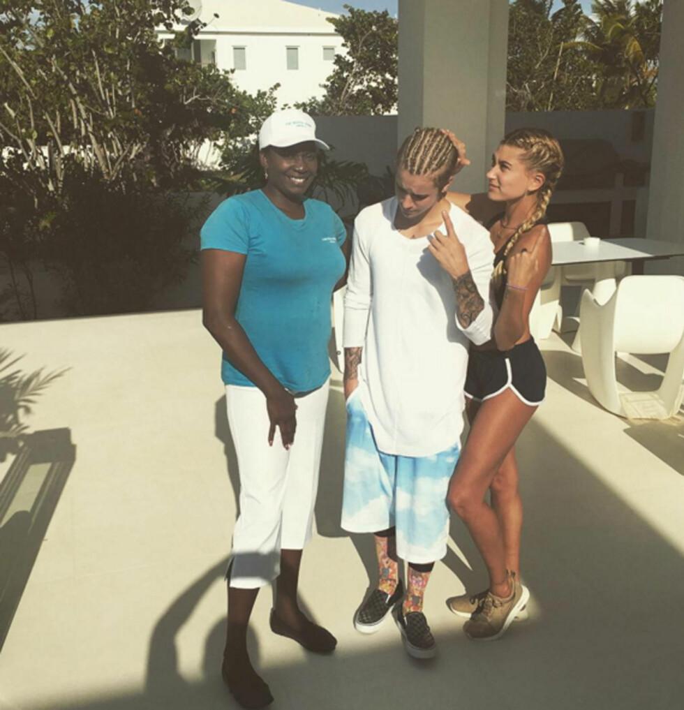 Hailey Baldwin (t.h.) og Justin Bieber (i midten). Foto: Xposure