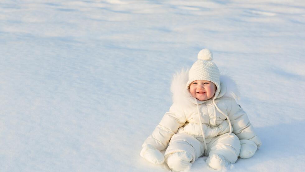 MINUSGRADER OG BARN: Så lenge du kler barna veldig godt, og de er aktive, så skal det gå greit at de er ute i kalde temperaturer, mener barnelegen. MEN, du bør følge godt med. FOTO: NTB Scanpix