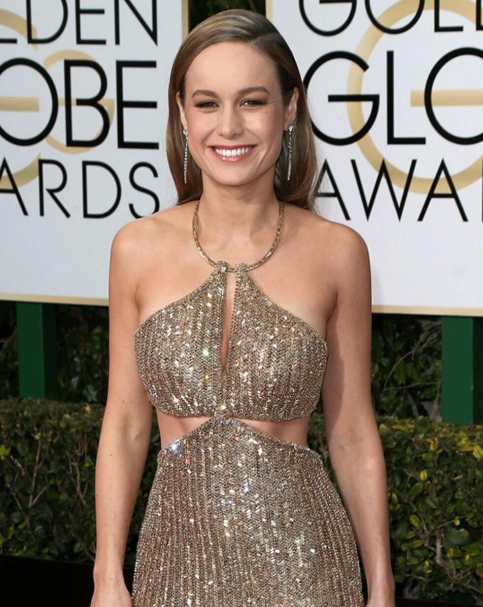 FRISKT: Brie Larson (26) la heller litt vekt på øynene enn en sterk leppe. De brune, skimrende tonene i øyenskyggen passet godt til antrekket. Foto: Scanpix