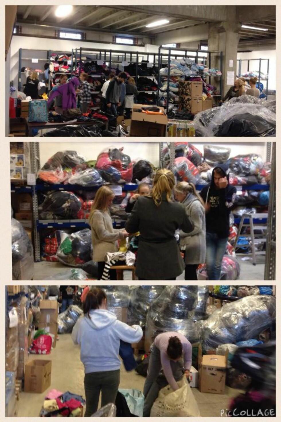 SAMLER INN: Hjemme i Norge har Trude, sammen med mange medhjelpere, organisert stor innsamling av klær til flyktningene. Foto: PRIVAT