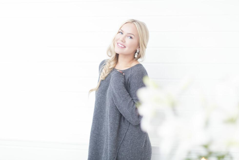 Cathrine Heienberg er opptatt av at det må være lov å pynte seg og samtidig være kritisk til skjønnhetspresset.  – Det handler om hvordan man tenker, sier hun.  Foto: Silje Holte