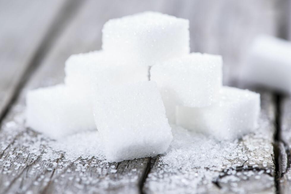 SUKKER KAN GJØRE DEG DEPRIMERT: Ekspertene mener at mat som inneholder sukker kan gjøre deg nedstemt og deprimert.  Foto: Shutterstock / HandmadePictures