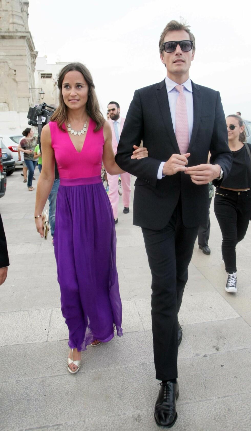 LYKKEN BRAST: Etter å ha vært sammen i tre år, gjorde Pippa Middleton og Nico Jackson det slutt. Her er de i Italia i fjor. Foto: Splash News