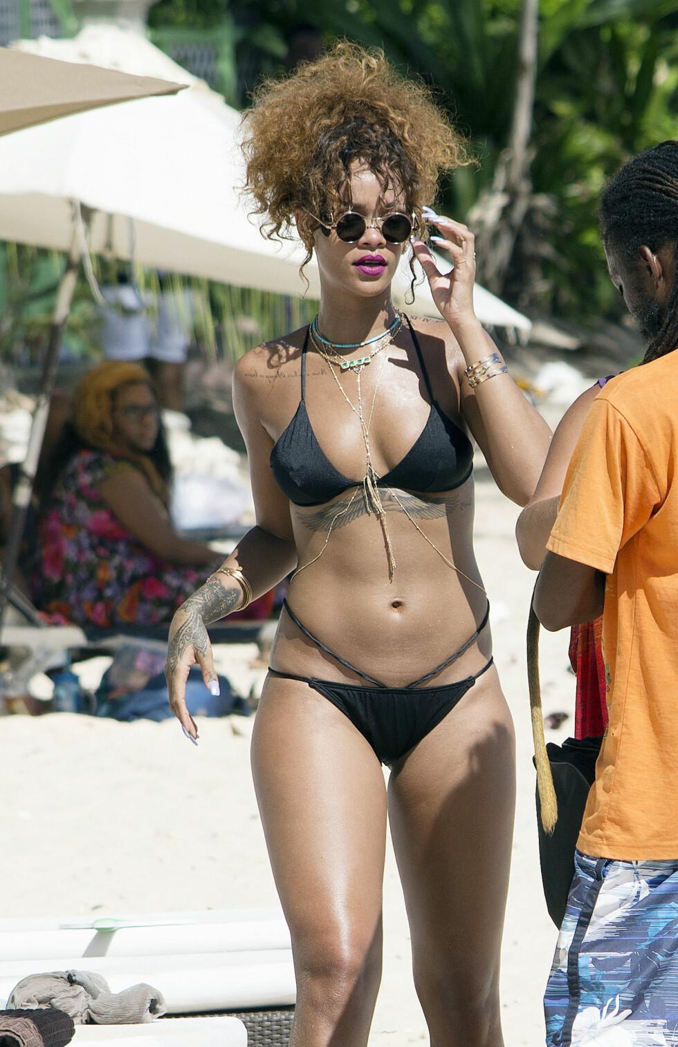VELDREID: Rihanna viser mer enn gjerne frem sin flotte kropp. Her er hun på ferie på Barbados – hvor hun vokste opp – i år. Foto: Xposure