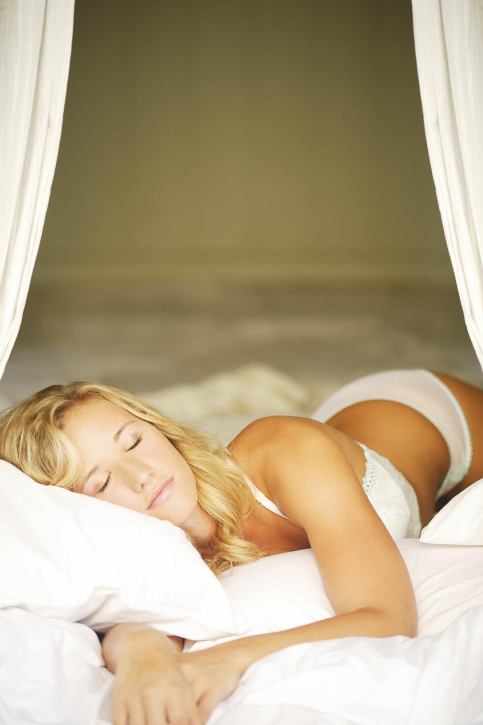 SØVN: Folk med lavt stoffskifte føler ofte at de aldri får nok søvn. Foto: © Sri Rusden/Design Pics/Corbis