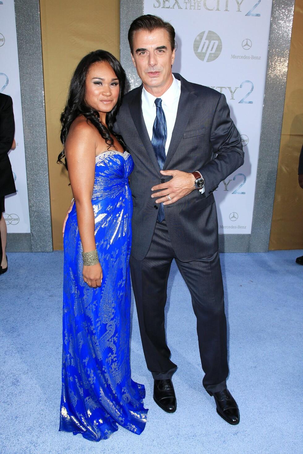 HERR OG FRU: Chris «Mr. Big» Noth er samboer med den 28 år yngre skuespilleren Tara Wilson. Her fra premieren på «Sex and the City 2» i 2010. Foto: NTB Scanpix